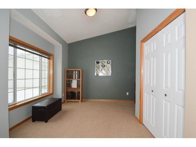 20818 Gemini Trail Lakeville Mn 55044 Mls 4563315 Listing Information Paint Colors For Living Room Living Room Colors Oak Trim