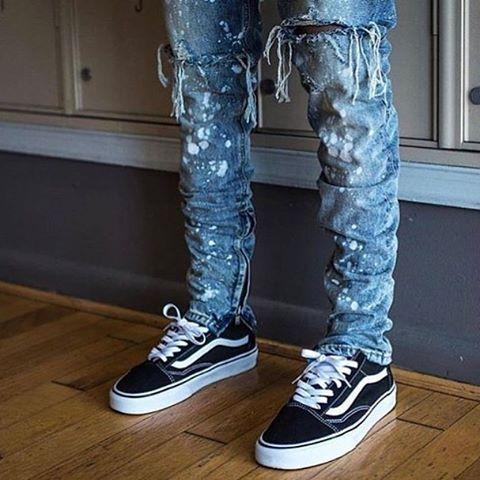 Old Skool Black Vans Ripped Jeans | Black ripped jeans