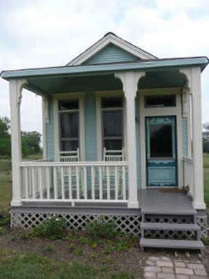Indulgy Everyone Deserves A Perfect World Tiny Texas Houses Tiny House Tiny Cottage