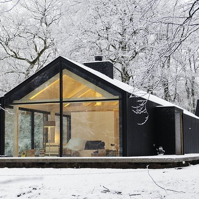 Waking up to news that this is going to be our warmest day since May.  We love the winter and snow! Don't go away just yet or we may just have to escape to this lengthy residence in Amsterdam.  Designed by @studioinamatt in close collaboration with Bedeaux De Brouwer Architects.  Photography by Isidoor Van Esch & Reim Janssen