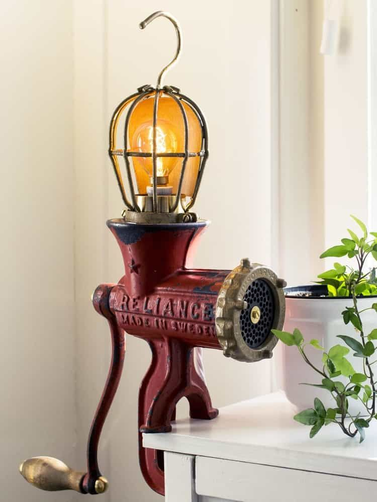 Use Antique Bulbs Like This Victorian Style Bulb To Accentuate Your Creative And Unique Vintage Lamp Fixtures Diy Lamp Lamp Industrial Lamp Design