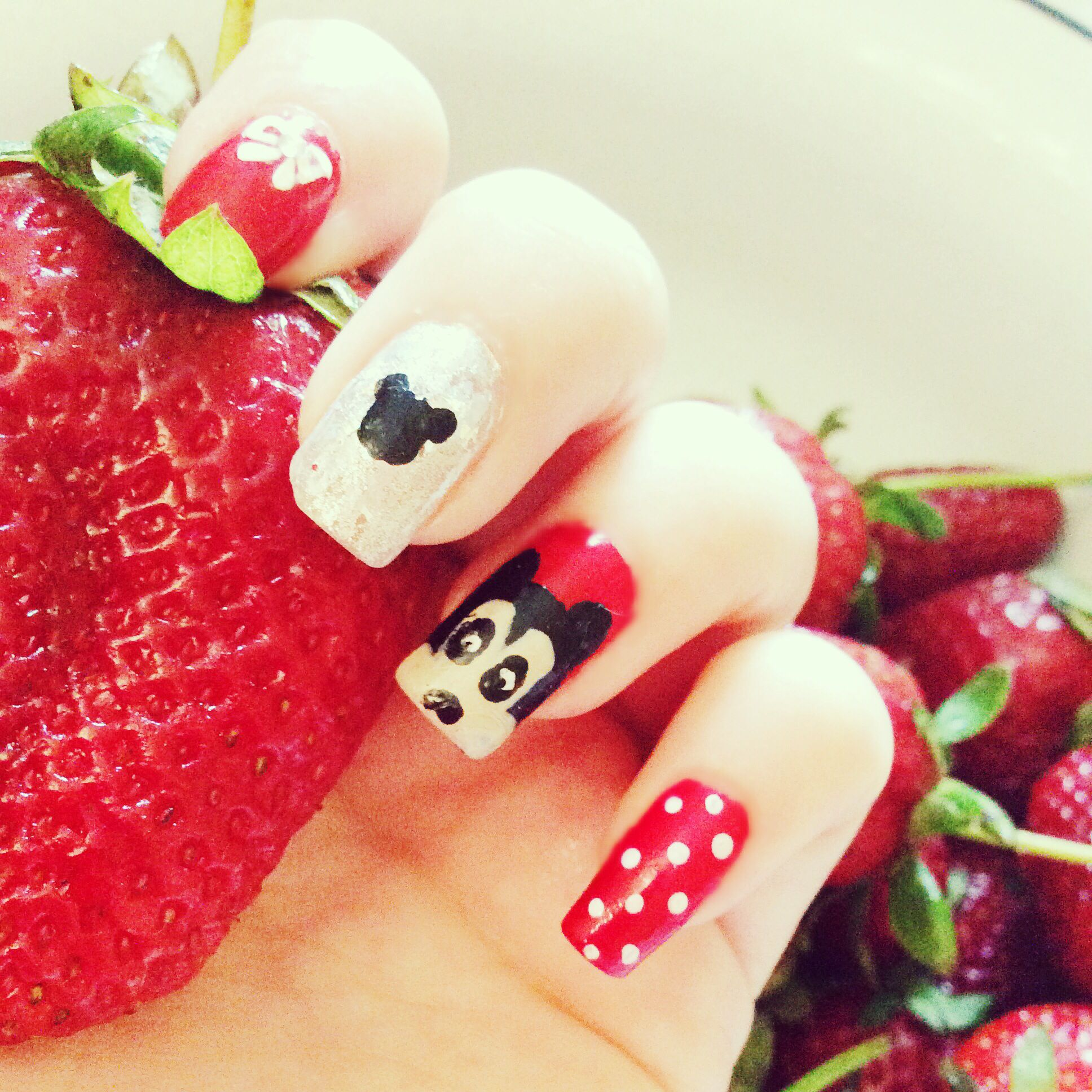 mickey mouse nail art red nail polish nailart rybatv oje deseni ...