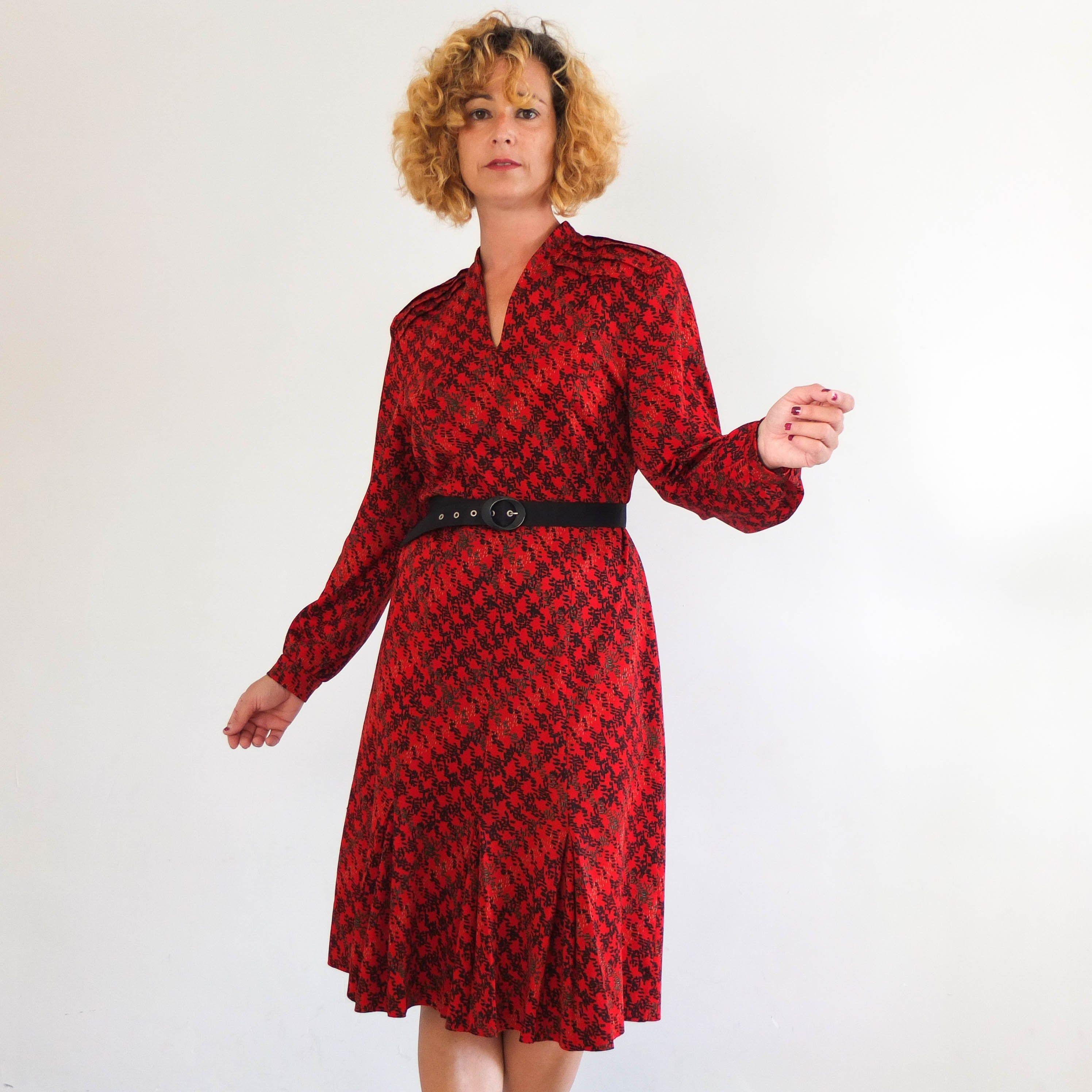 Vintage 70s Retro Midi Dress Plus Size 80s 70s Long Sleeve Mod Shift Dress 70s Casual Day Dress Vintag 70s Retro Dress Retro Midi Dress Patterned Midi Dress [ 2992 x 2992 Pixel ]