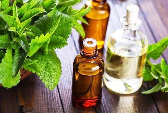 Remedii naturiste pentru bufeuri la menopauza