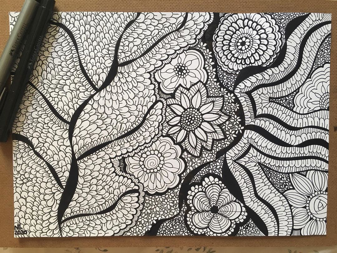 Nathalia Lodi On Instagram And We Have Some Flowers Artlovers Draw Drawings Drawing Zentangle Zentangle Artwork Zentangle Drawings Coloring Book Art