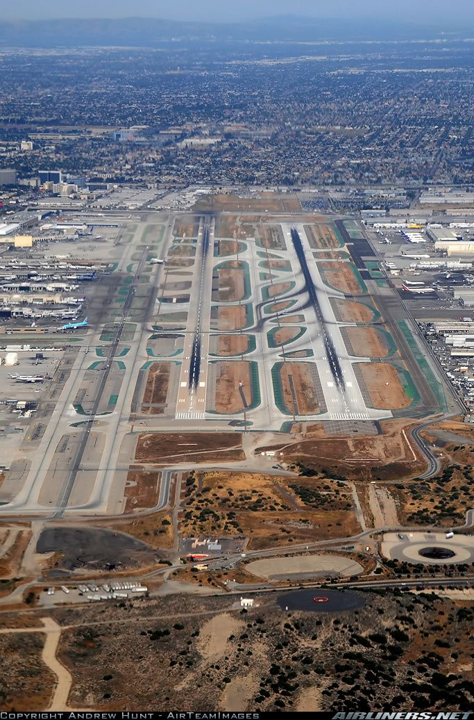 Lax Overview Of The Southern Runways Nikon D3 Photo Taken At Los Angeles International Lax Klax In California In 2020 Aerial View Aircraft Pictures Pictures