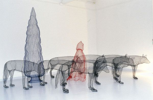 Magical Scenes Sculpted with Chicken Wire | Chicken wire, Scene and ...