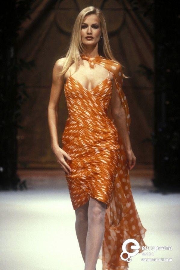 Karen Mulder for Valentino, Spring-Summer 1995, Couture ...