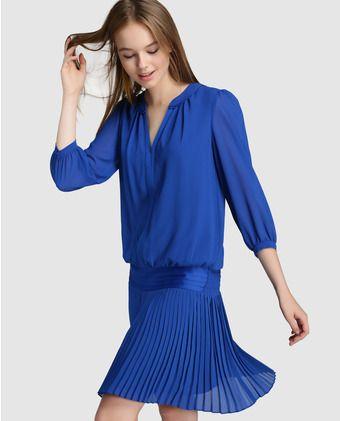 93d927bfd9b4 Vestido corto de mujer Tintoretto con falda plisada. 79,99 ...