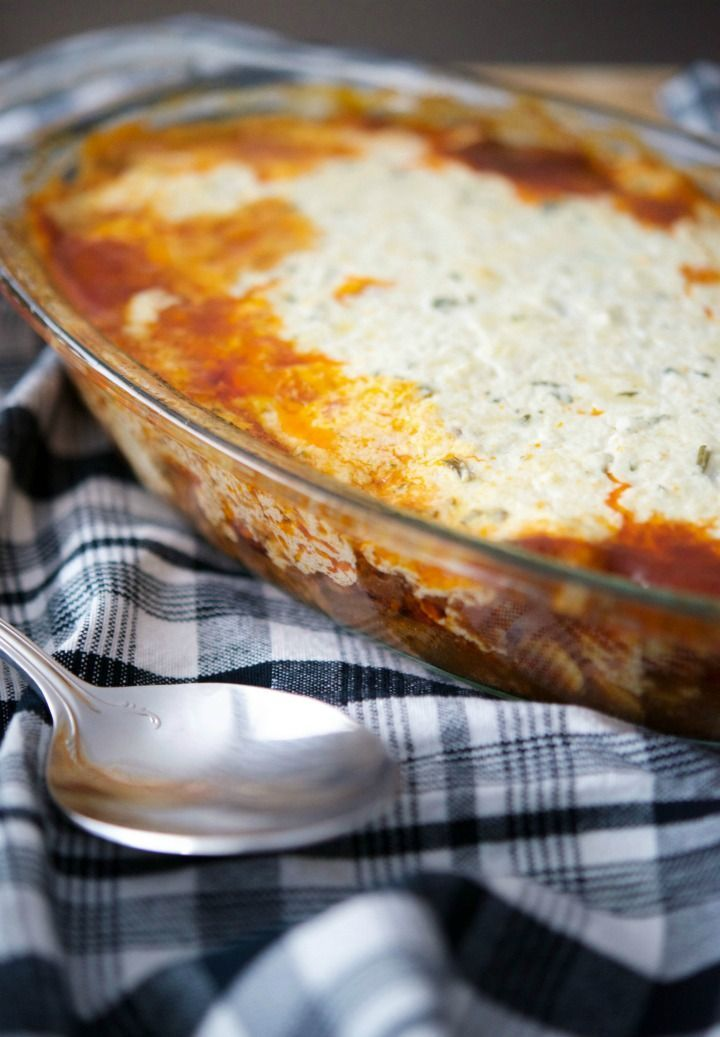 Ricotta Casserole Lean ground beef combined with mushrooms, onion and garlic in a balsamic tomato sauce; then topped with a mixture of Ricotta, Mozzarella and Parmesan cheeses and baked until golden brown. Who doesn't love a quick and easy casserole during busy weeknights?List of Dutch cheeses  This is a list of cheeses from, or connected with,...