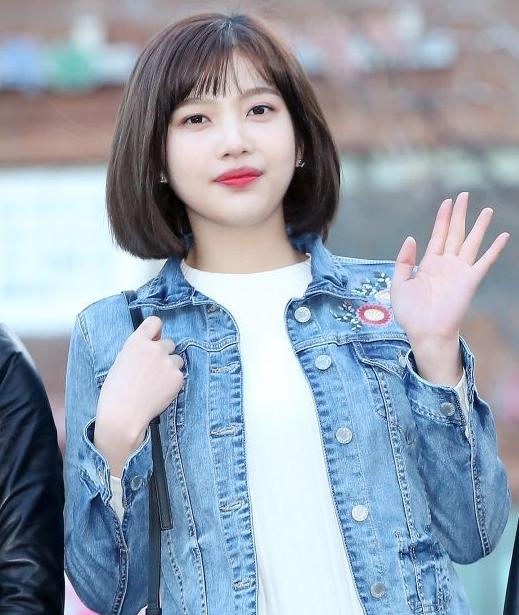 20 Modern Asian Hairstyles That You Need Immediately Korean Short Hair Short Hair Styles For Round Faces Korean Short Hair Bangs