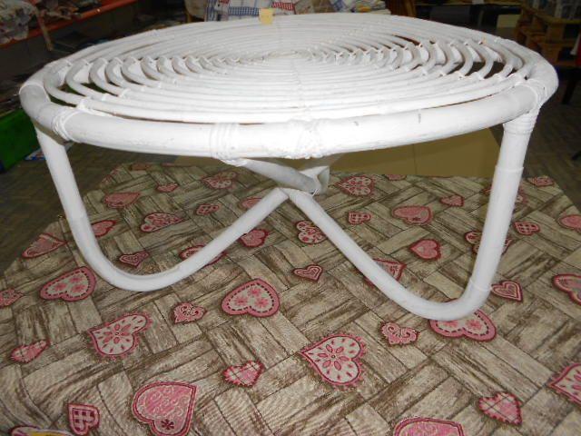 Tavoli Da Giardino Vintage.Tavolo Da Salotto In Rattan Shabby Chic Tondo Eseguito A Mano
