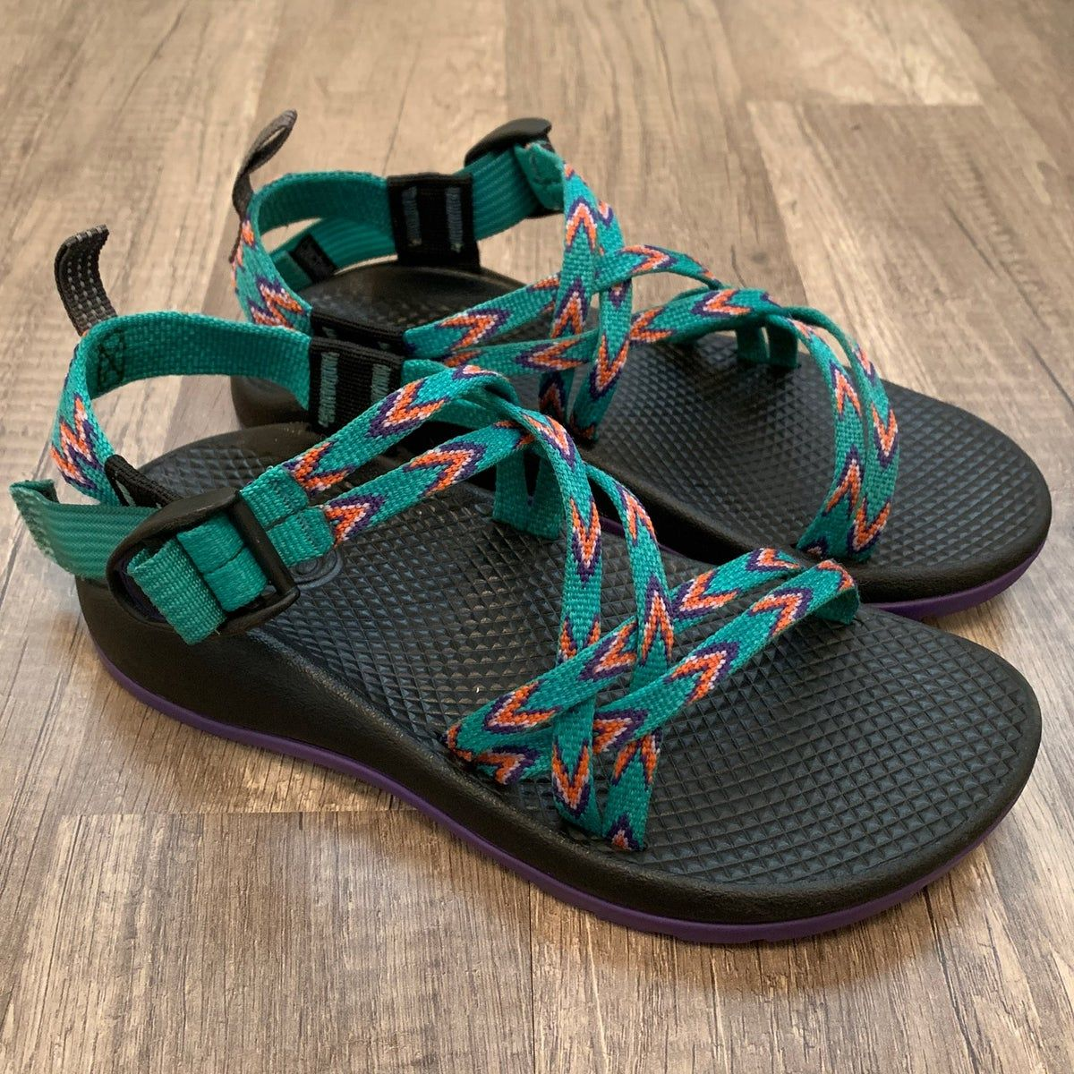 Youth Girls Chaco Sandals Sz 3 on