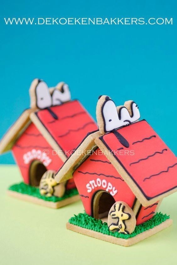 sweet brown christmas cake design ideas snoopy dog house