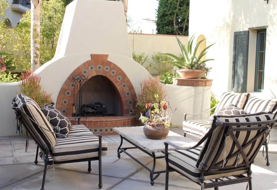 20 Of The Coolest Outdoor Fireplaces Outdoor Fireplace Brick