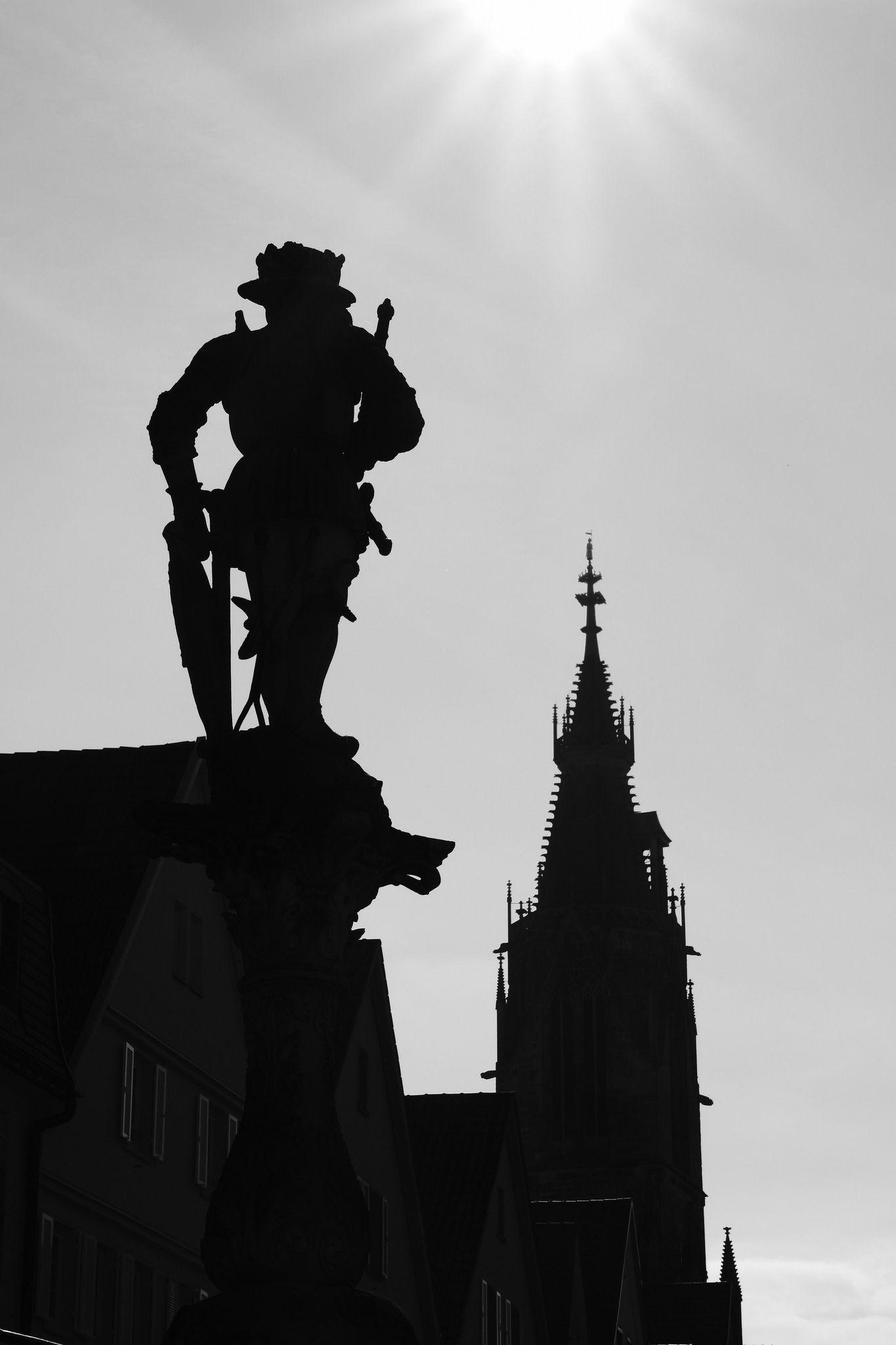 Reutlingens Altstadt Ist Ein Richtiger Hingucker Skulpturen Kirchen Wunderschone Fachwerkhauser Und Su Urlaub In Deutschland Reisen In Europa Wochenendtrip