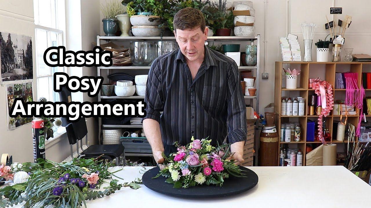 How To Make A Posy Flower Arrangement In Floral Foam Posy Flower Fresh Flowers Arrangements Flower Arrangements
