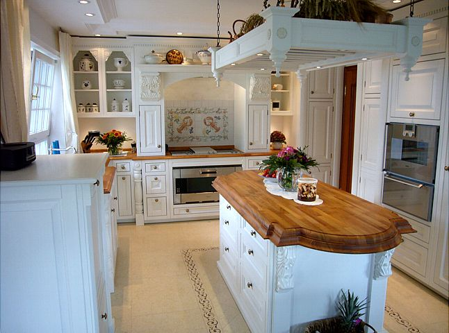 Englische landhausküche in weiß