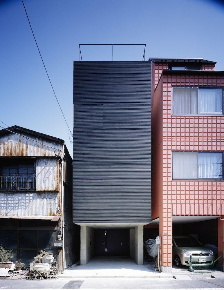black sun wohnhaus in tokio architecture pinterest architektur fassaden und schmale h user. Black Bedroom Furniture Sets. Home Design Ideas
