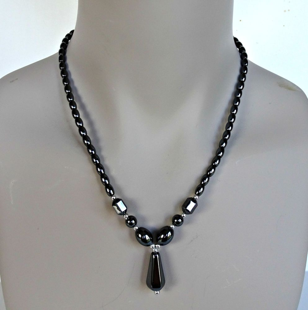 Metallic Black Faceted Crystal /& Hematite Beaded Necklace