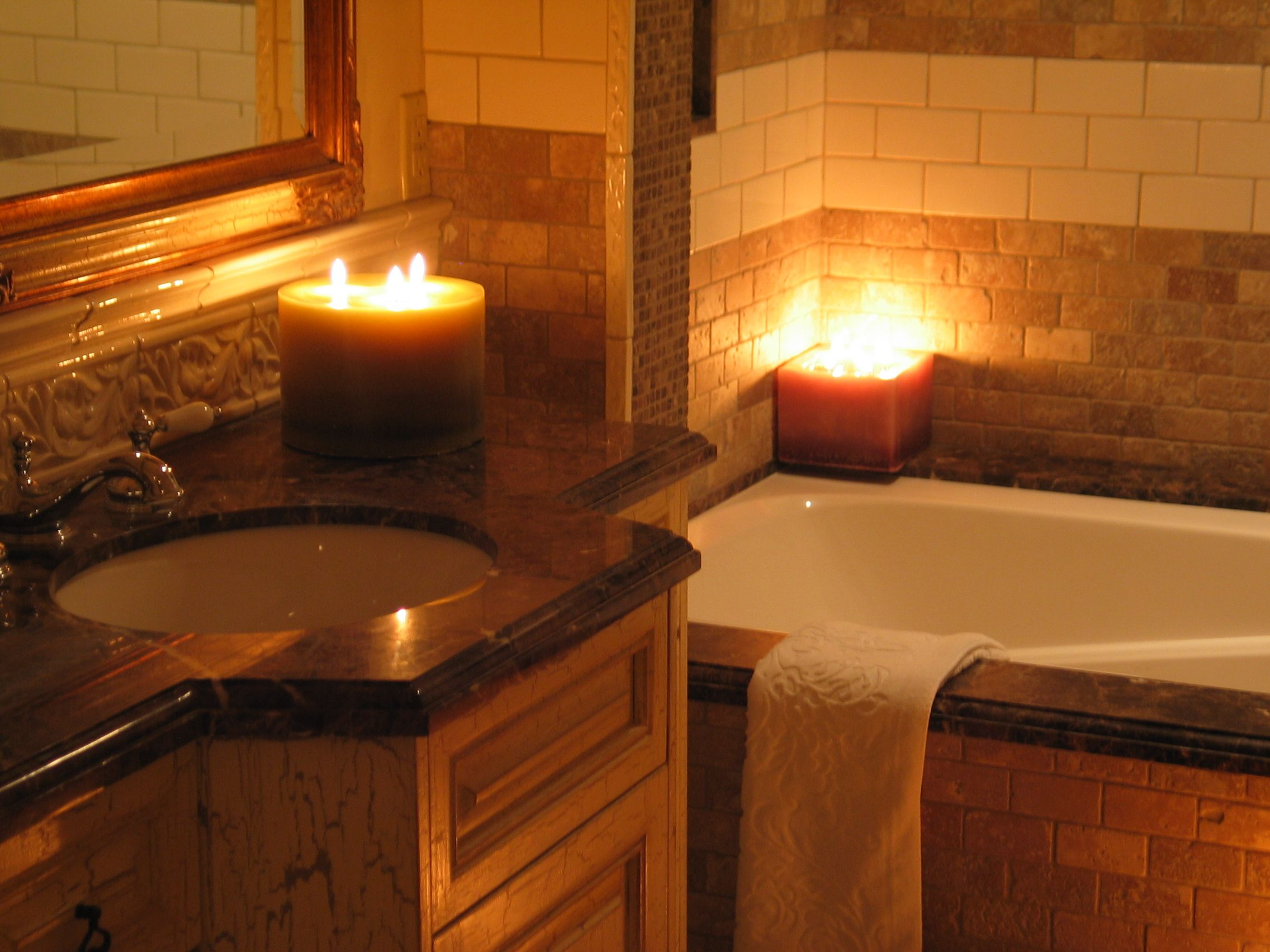 Superbe Romantic Candles In Bathroom | ... Custom Candles For A Romantic Valentine  Evening!