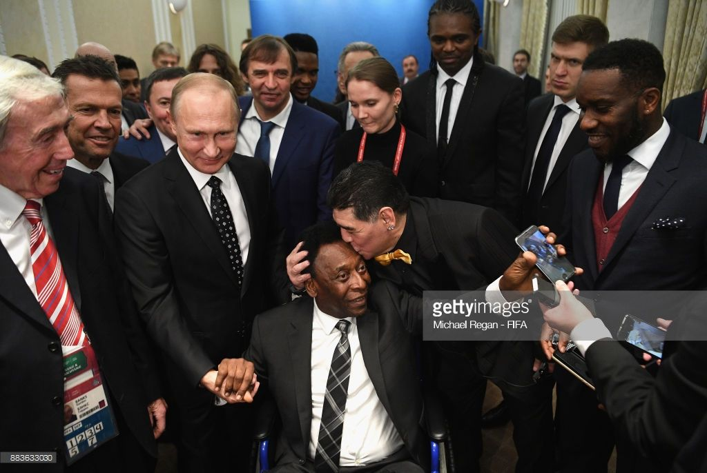 Final Draw For The 2018 Fifa World Cup Russia Photos And Premium High Res Pictures Pele World Cup Fifa