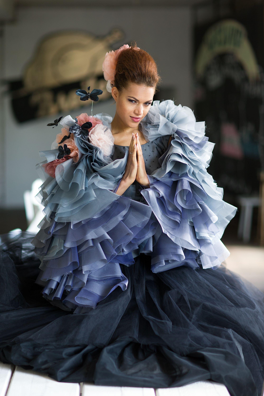 Schwarz blaues Brautkleid von ANNE WOLF, Berlin! Wir sind verzückt ...