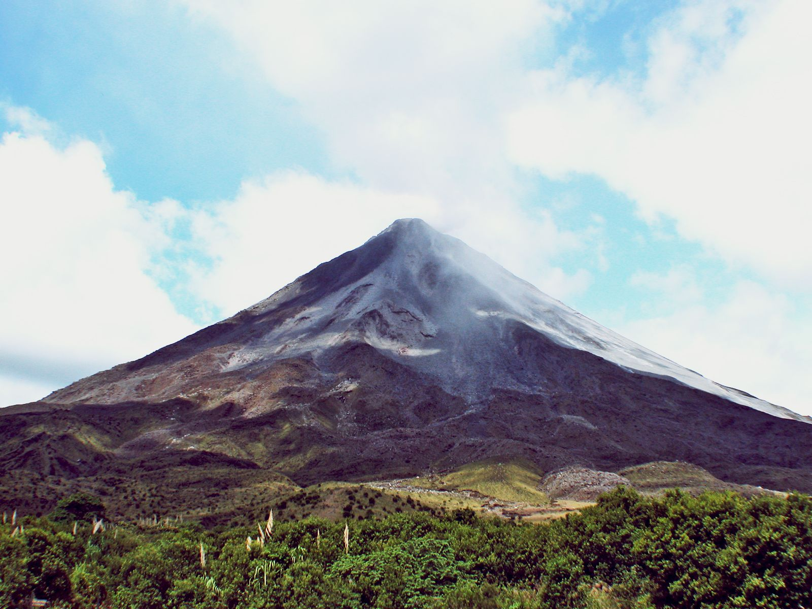 Did you know...? Arenal Volcano is one of the most active volcanoes in Costa Rica and in the world.