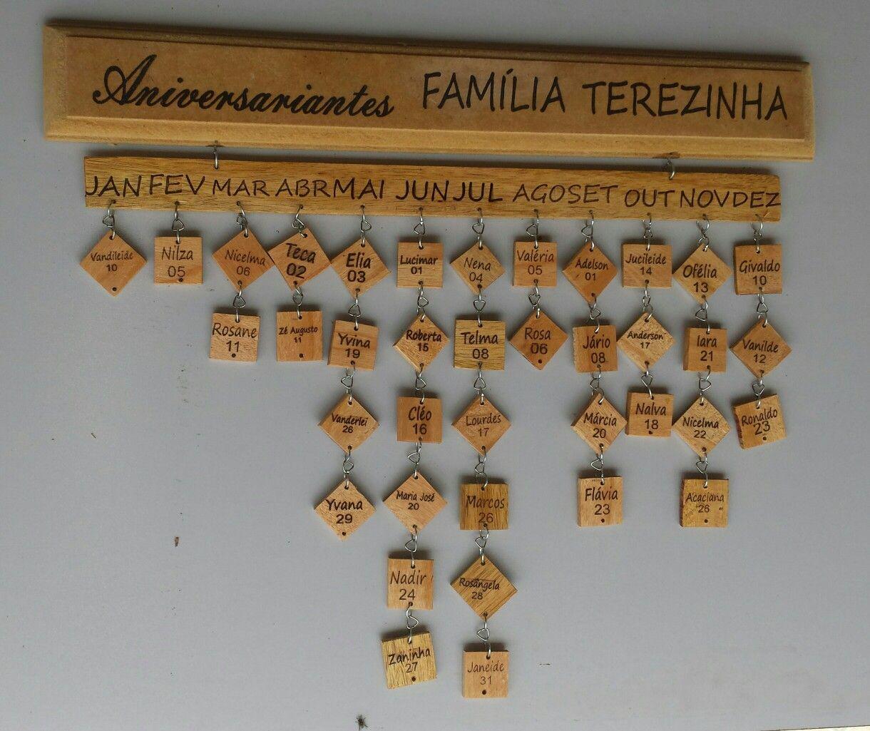 Calendário aniversariantes. Este está esposto na Escola Municipal Terezinha da Silva Araújo. Aquidabã / Sergipe Brasil