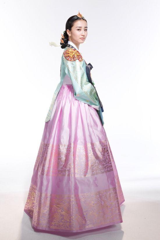 korean queen in royal hanbok movie costume asia