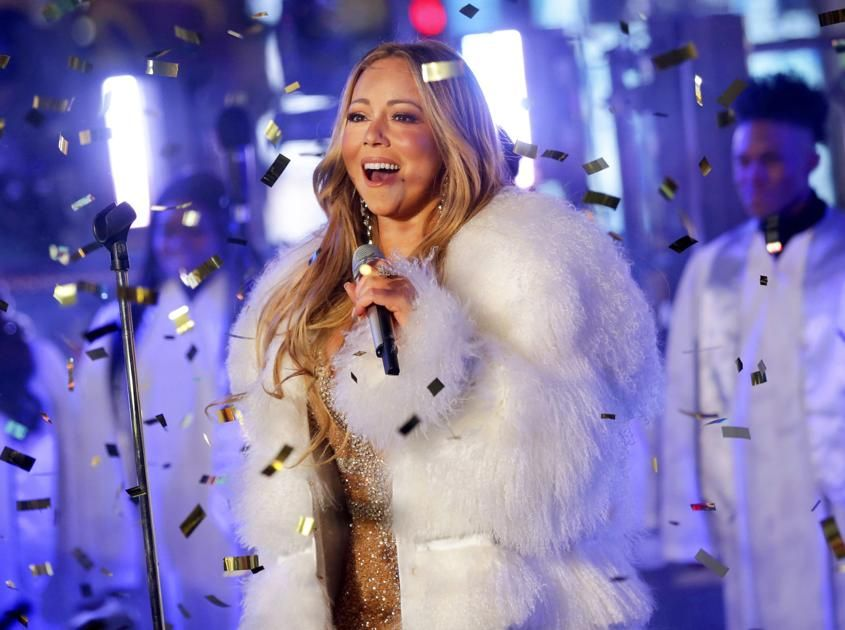 Los Angeles Ap Mariah Carey S All I Want For Christmas Is You Is The Highest Charting Billboard Hot 100 Holiday Hit In 60 Years Mariah Carey Mariah Carey