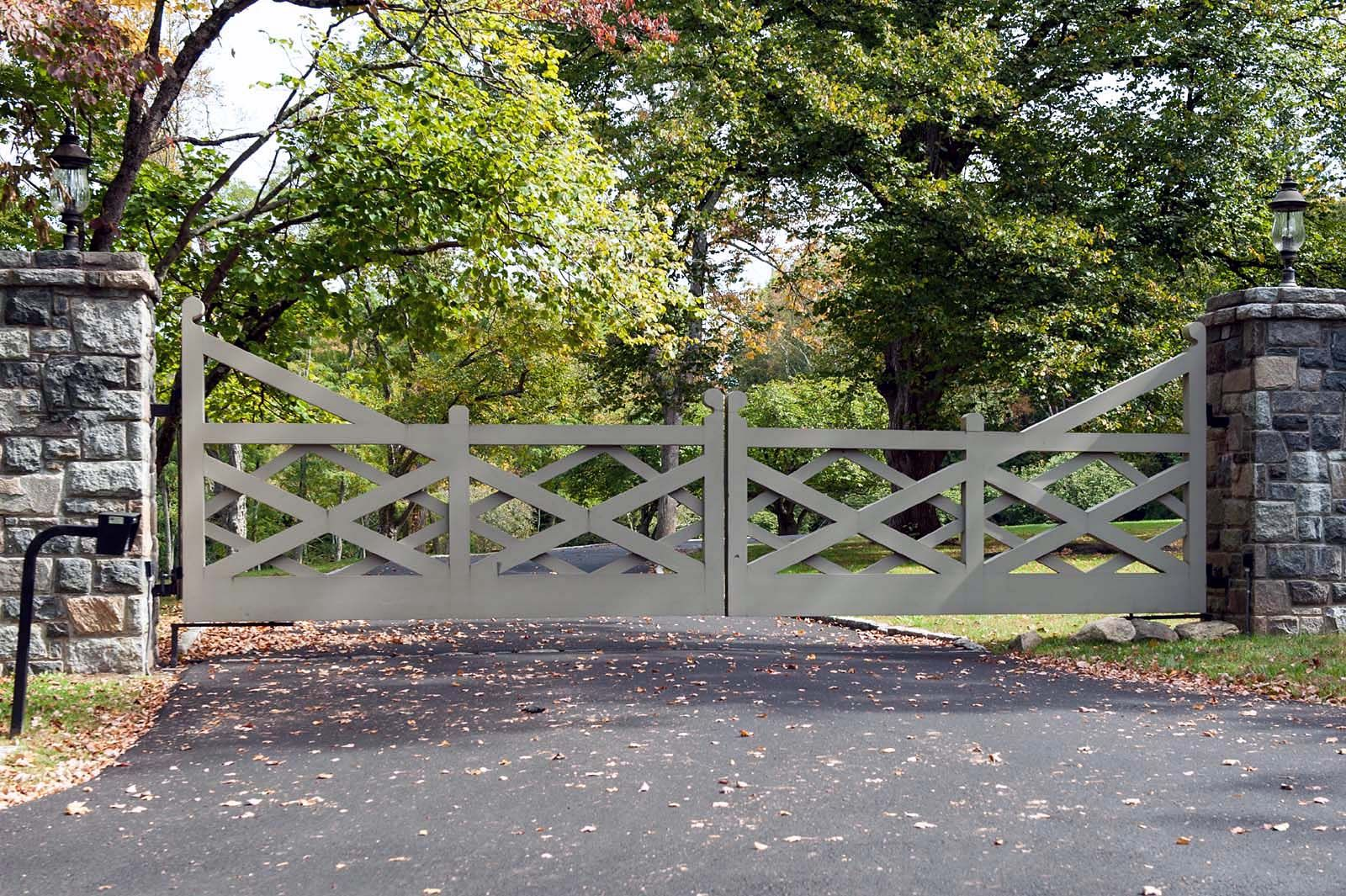 Tri State Gate In 2019 Home Driveway Gate Farm Gate Entrance Gates
