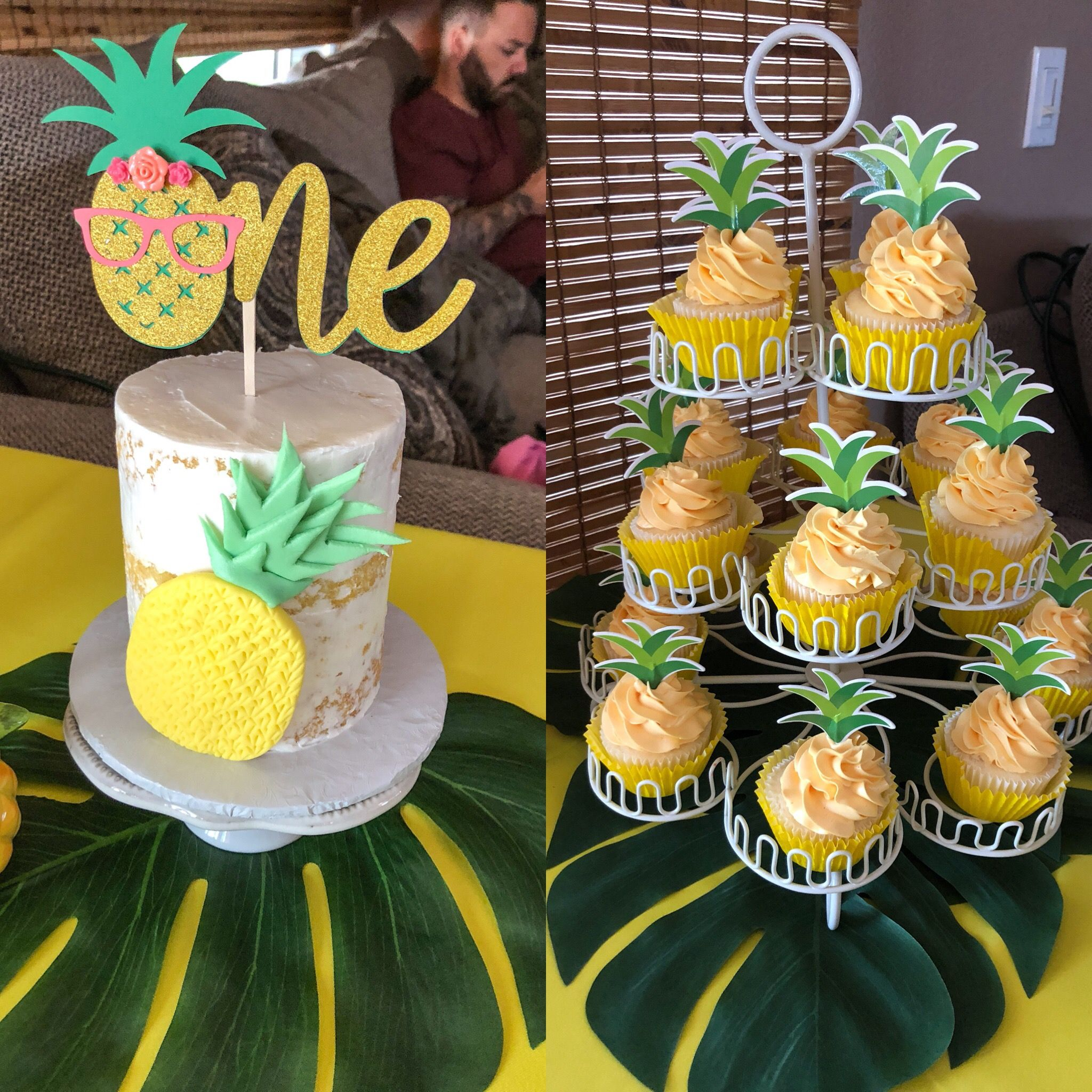 #partylikeapineapple #smashcake #pineapplecupcake Facepop Bakeshoppe #tropicalbirthdayparty