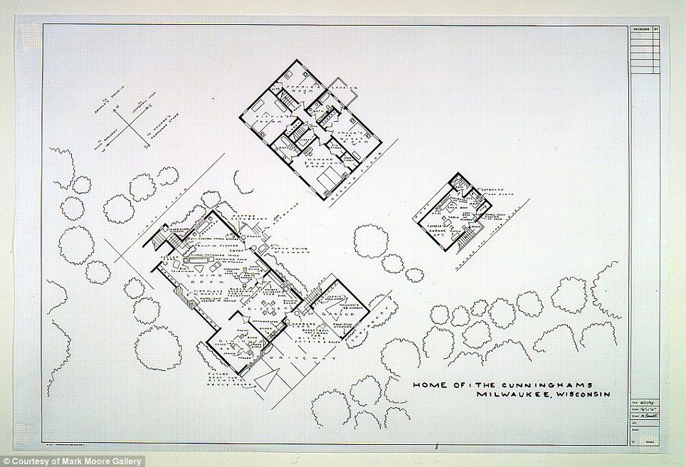But can you see the ugly naked guy Artists sketch floorplan of – Happy Days House Floor Plan