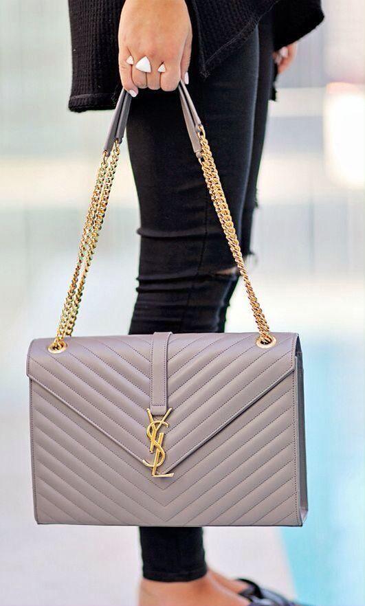 Pour plus de sacs à main d occasion, direction dariluxe.fr ! Livraison  offerte en UE ! 0340227cfba