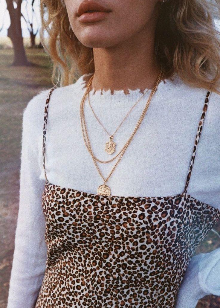 Glamouröses Midikleid in Leopardenform #fashionnecklace