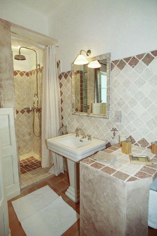 Salle de bain chambre nord Marbre/lavabo sur pied à l\u0027ancienne