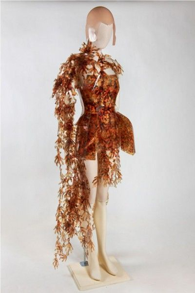 SELFRIDGES_'Washed_Up'_exhibition_-_Andrea_Cammarosano_-_Serenada_Moleculare_Collection_2008_-_material_plastic