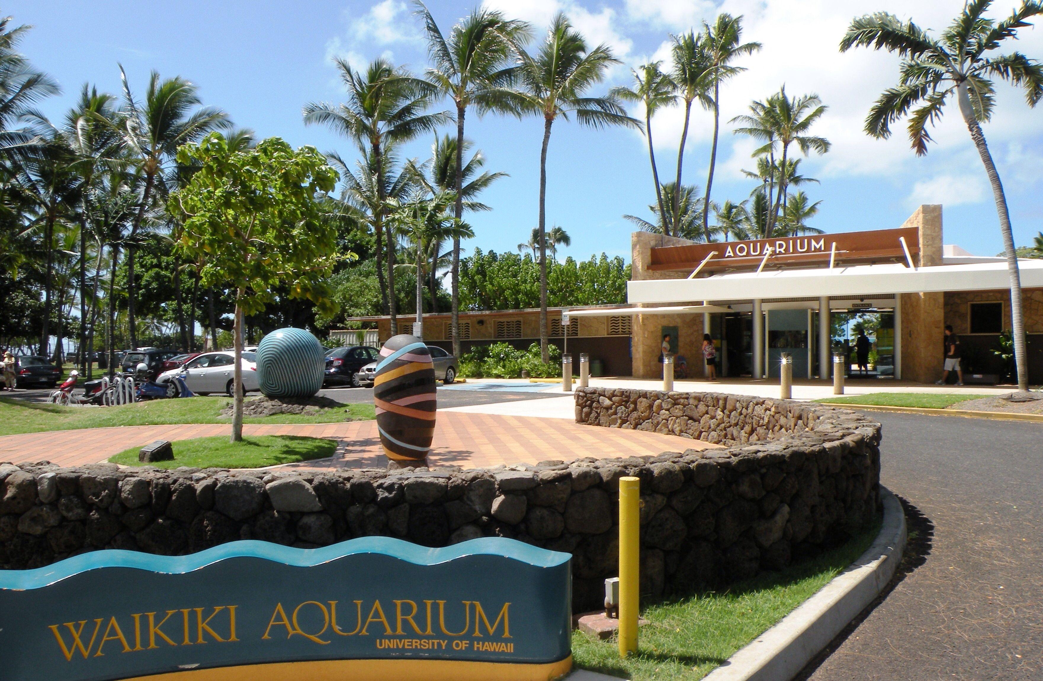 Waikiki Aquarium Kapiolani Park Honolulu Hi Founded In 1904 It Is The 2nd Oldest Aquarium In The United States Not To Waikiki Luau Waikiki Waikiki Hawaii