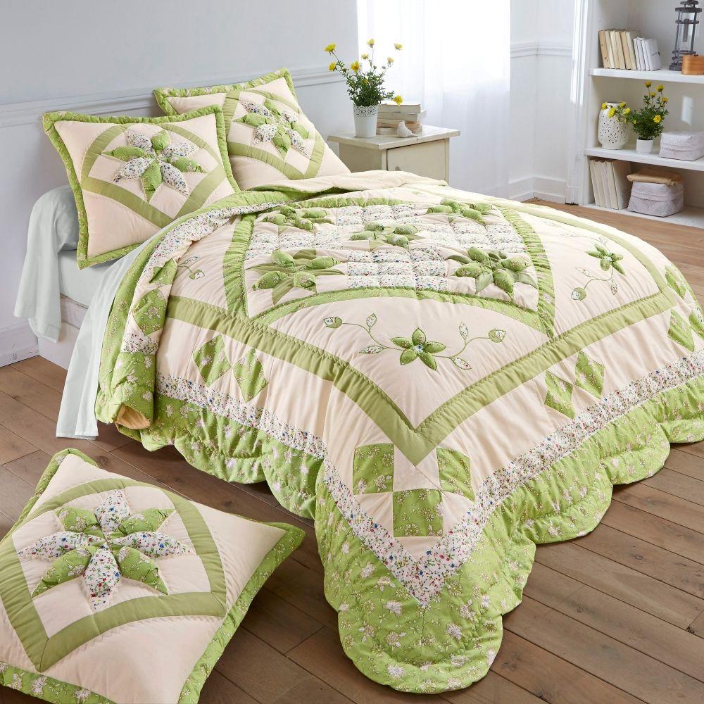 Couvre lit en patchwork un petit air folk et nature dans - Deco nature chambre ...
