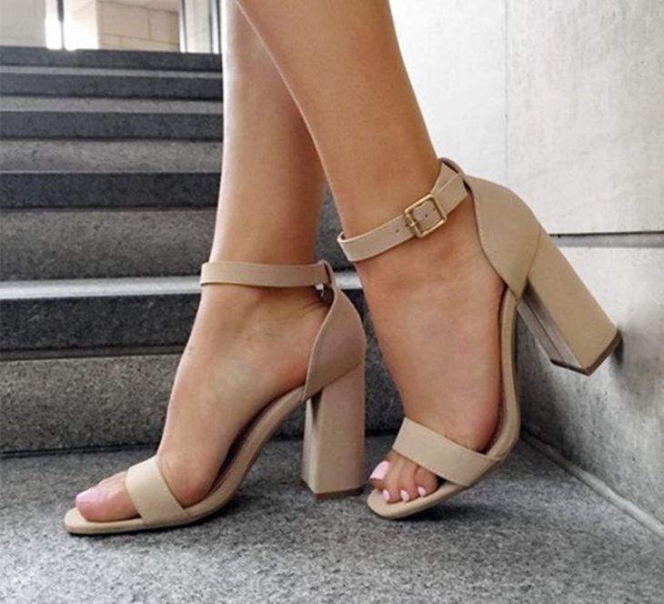16 Estilos de zapatos para enamorarte del regreso del tacón cuadrado
