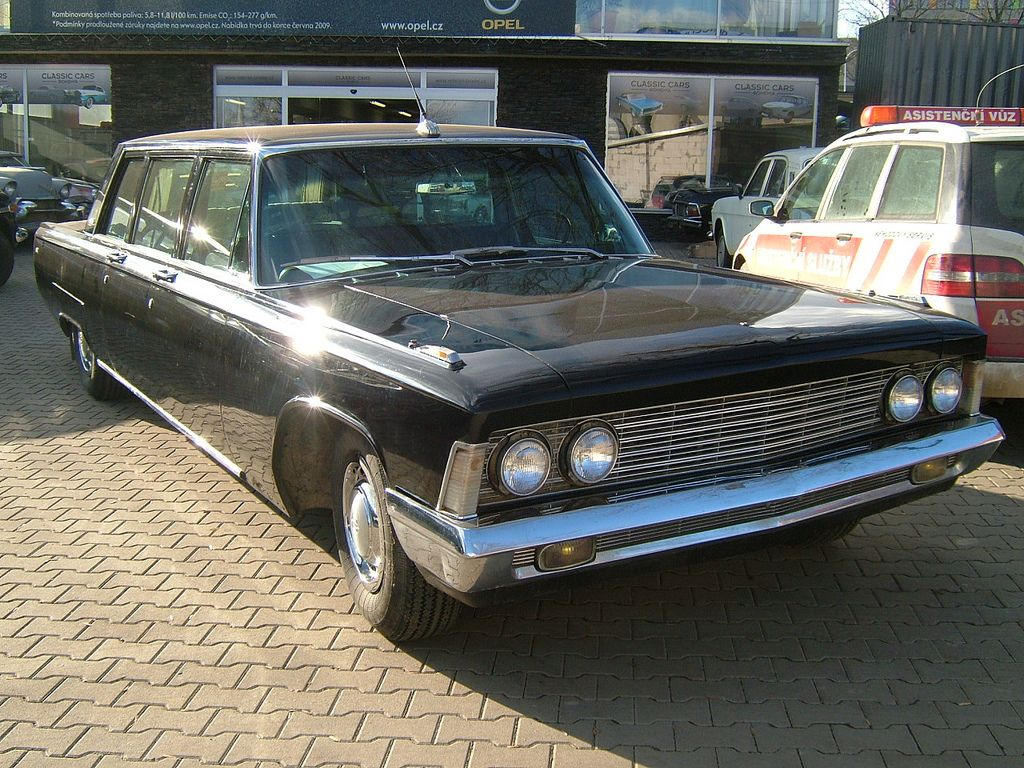 Zil 114 limousine i spotted such a neat car take a look at many more