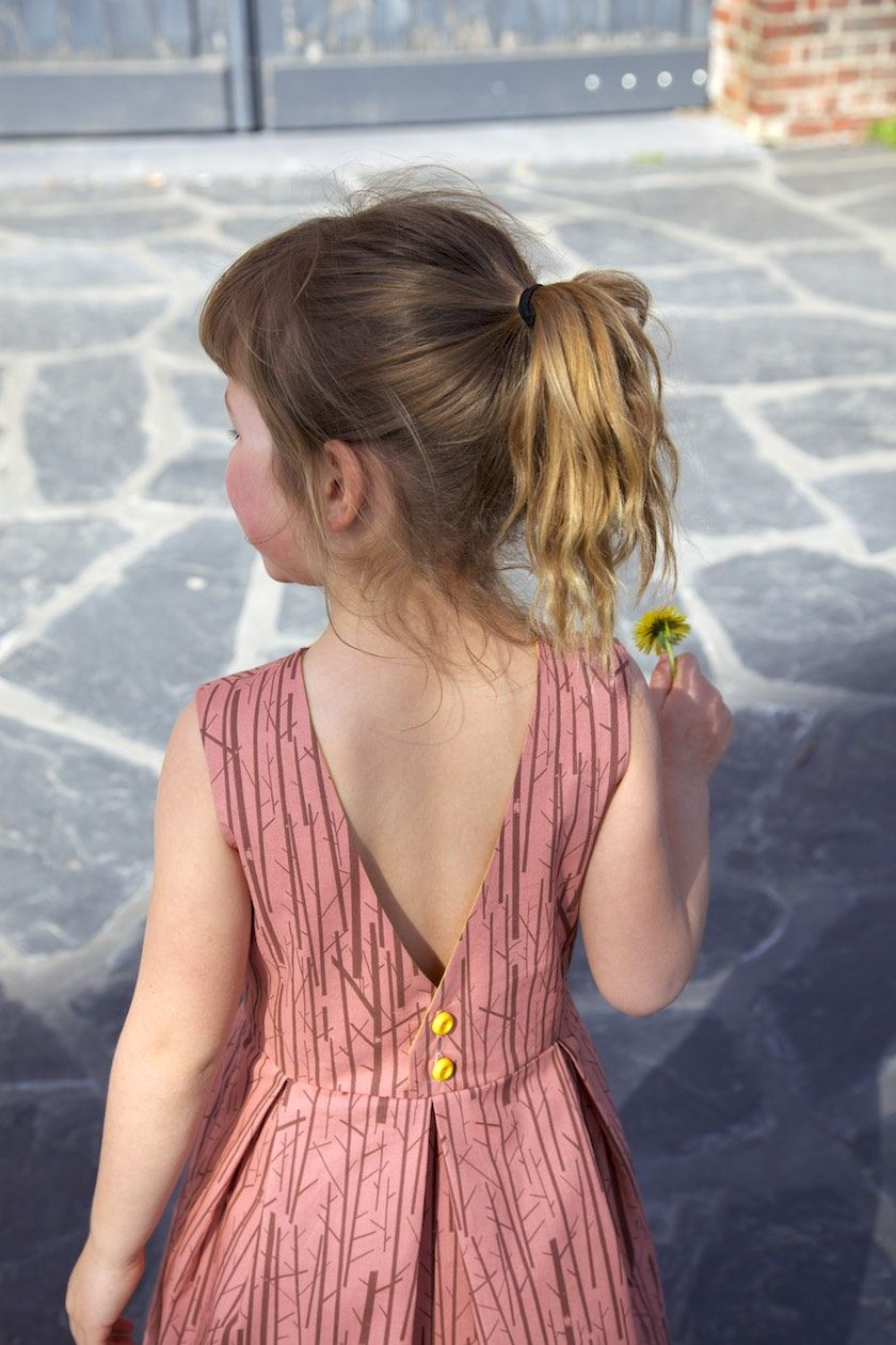 Judith dress: a free pattern for girls (1 – 10yo)! | Pinterest ...