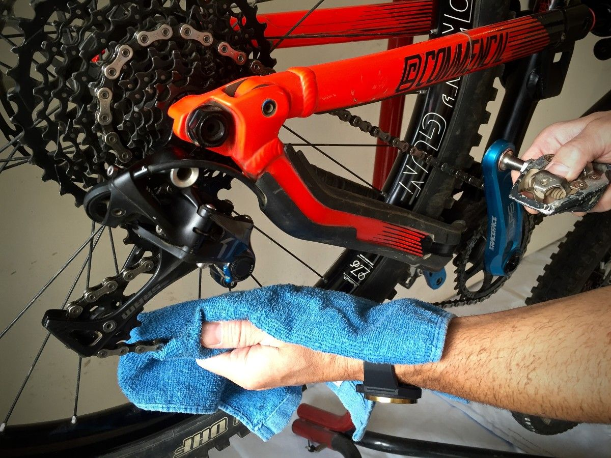 How To Lube Your Bike Chain A Beginner S Guide Mountain Biking