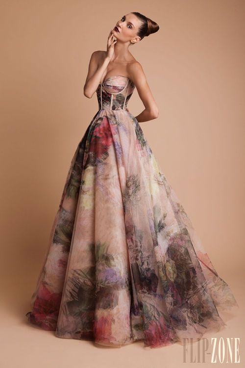 Trouwjurk Bloemenprint.Fashion Rules You Should Resolve To Break Haute Couture