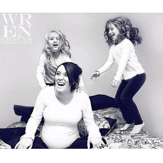 Wren Gracyn Photography #WrenGracynPhotography #family #maternity #pregnancy #girls #play #jumponthebed #mom #daughter #mothersday #photography #loveathome #utahfamily #utahphotographer #utahtalent