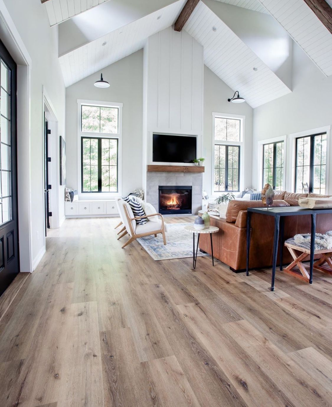 LVP Dutcheau Youngscombe  Modern farmhouse floors, Luxury vinyl