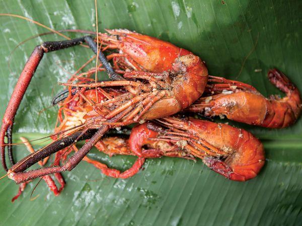 Wok-Fried Shrimp with Garlic Recipe | SAVEUR