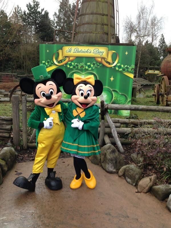 Mickey minnie mouse say happy st patrick s day - Disney st patricks day images ...