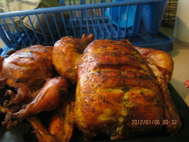 Pollo relleno puertorriqueño. Ver la receta http://www.mis-recetas.org/recetas/show/23774-pollo-relleno-puertorriqueno